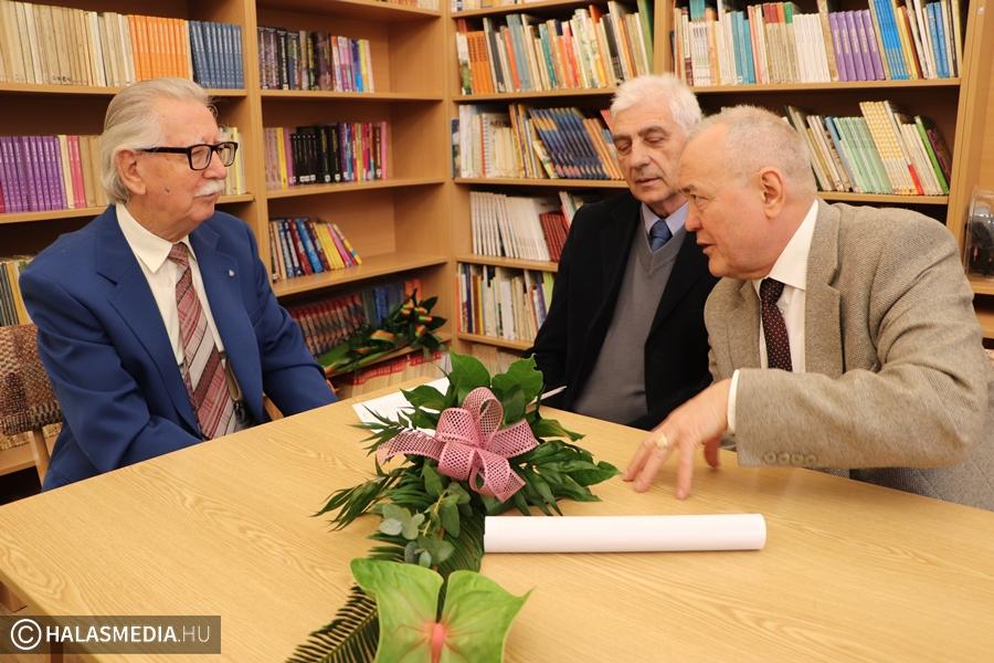 60 éves osztálytalálkozó a Központi-iskolában