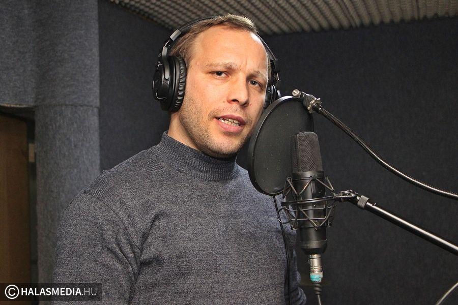 Stúdióban énekelt a karaokegyőztes