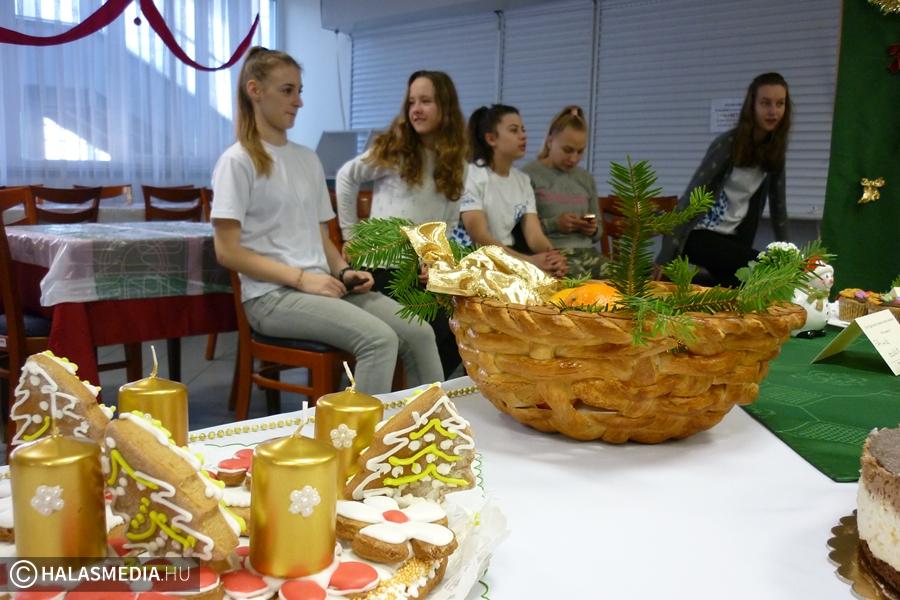 Karácsonyi sütiverseny a Váriban
