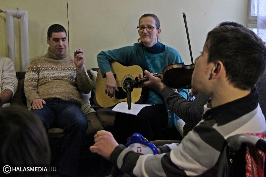(►) Elkészült az Ékes Kapu Otthon lakóinak klipje