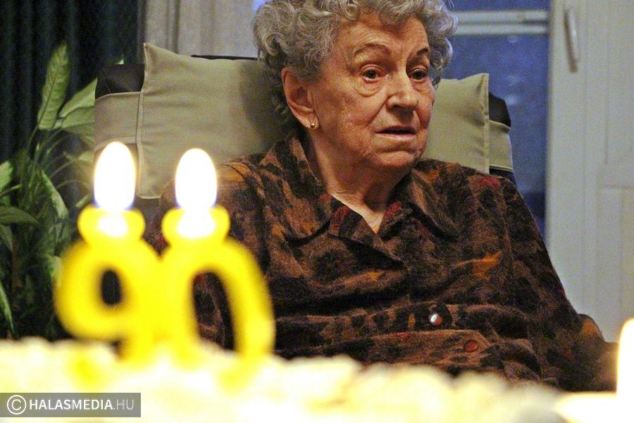 Marika néni 90 éves (galériával)