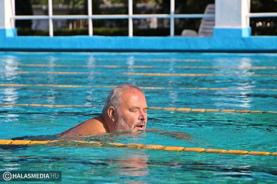 A héten még használható a kinti medence
