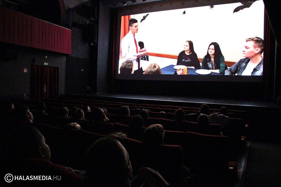 Az Ártatlan - halasi diákfilmesek premierje a moziban