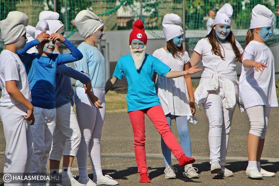 Játékos formában népszerűsítették a maszkviselést