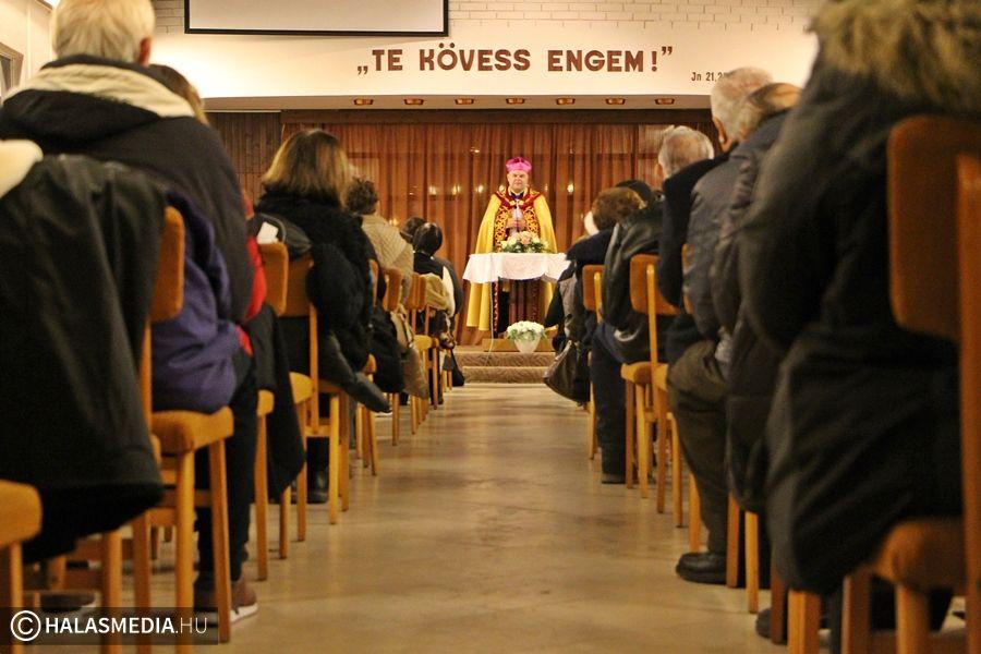 Közös ima nyolc estén át