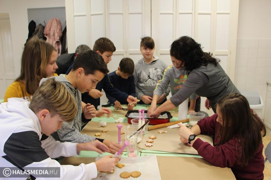 Hagyományőrző foglalkozások a Szilády-gimnáziumban