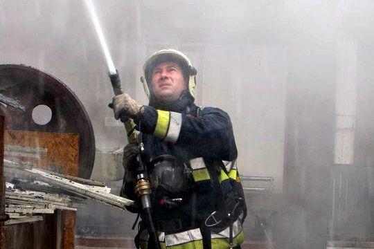 Rendvédelmi Emlékérmet kapott a halasi tűzoltó