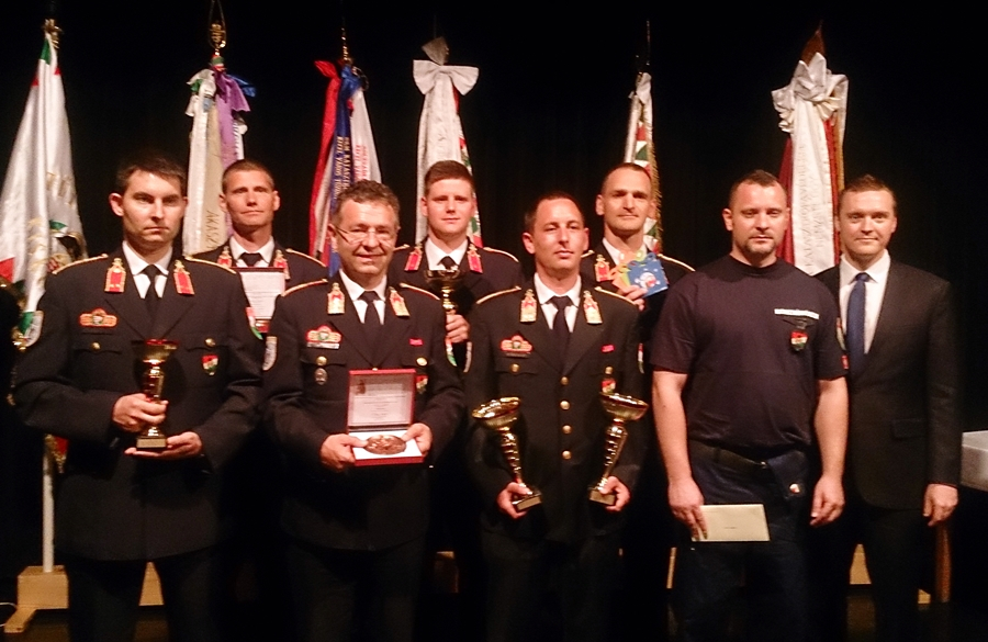 Halasi tűzoltók elismerése