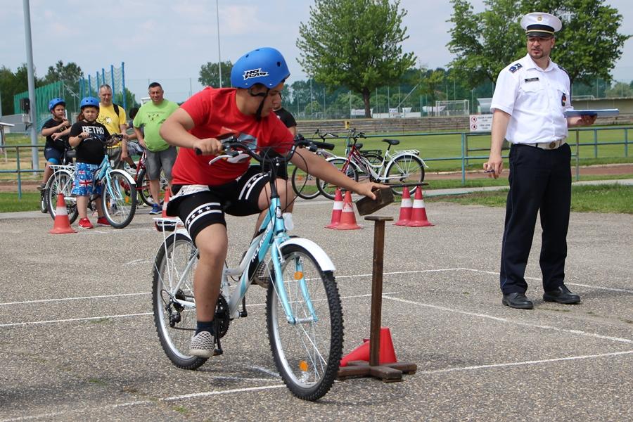 Drótszamár: játékos kerékpáros verseny volt (galéria)
