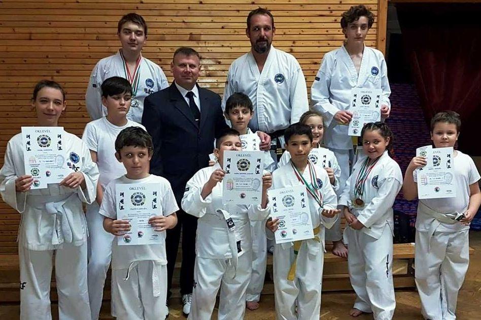 Nyolc magyar bajnoki cím