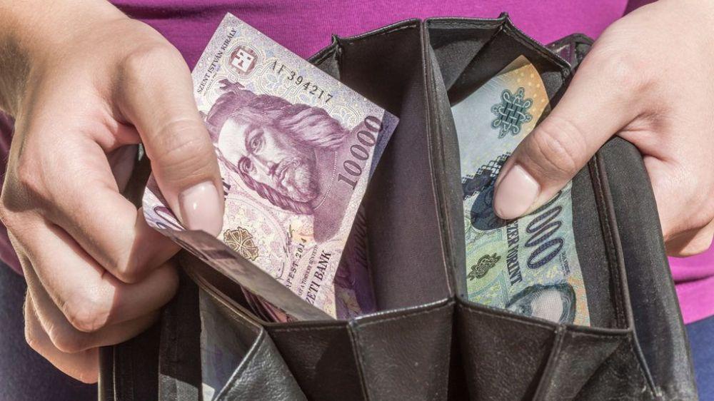 Emelkedett a minimálbér