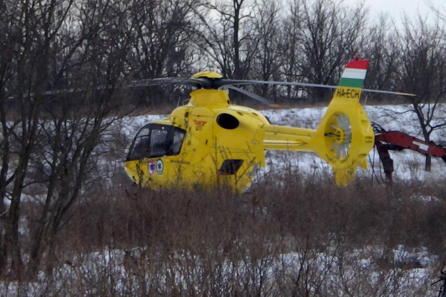 Mentőhelikopter vitte el az égési sérültet az Alsóöregszőlőkből