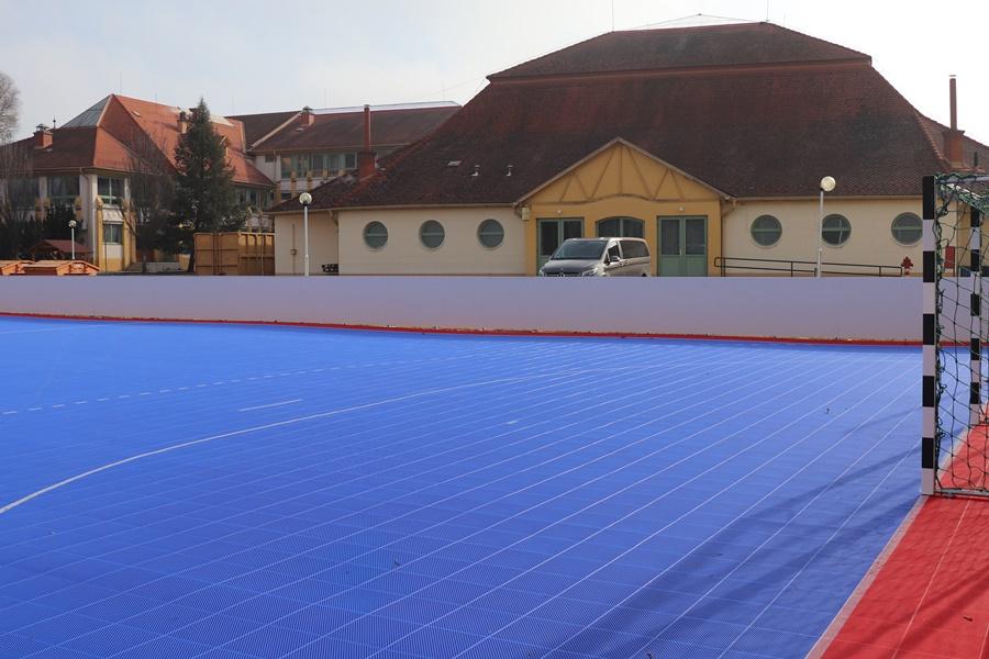 Elkészült a rekortánpálya a Bibó-gimnáziumban
