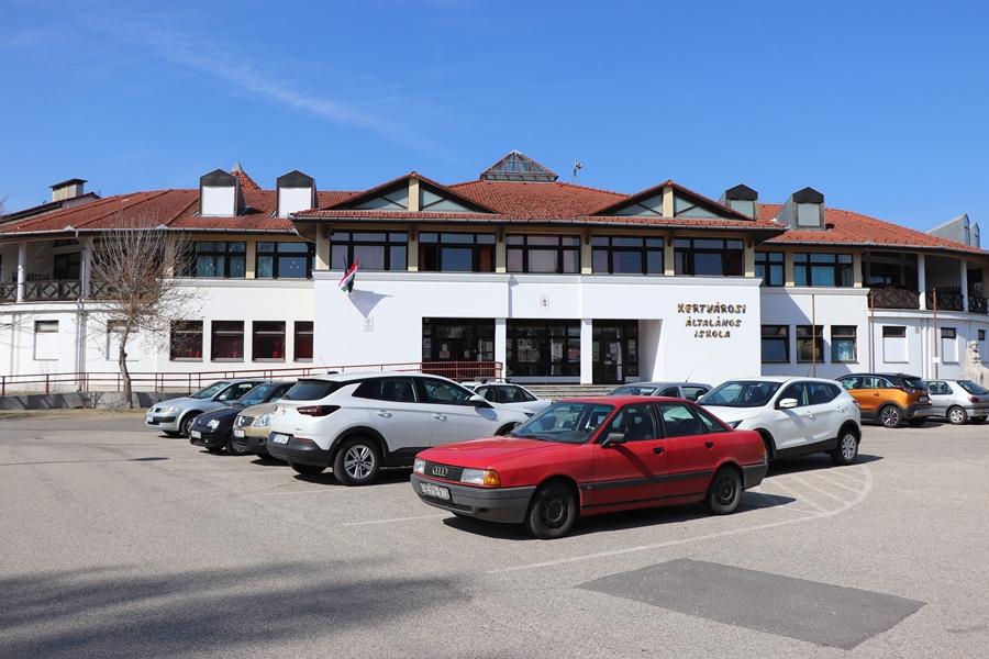 Hétfőn kezdődik a Kertvárosi-iskola felújítása