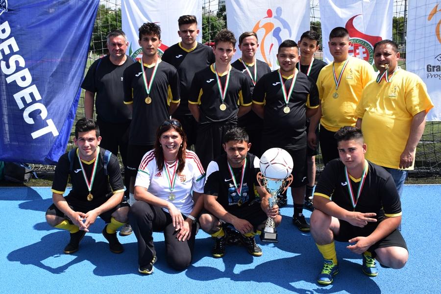Nyilasi Tibor is gratulált a győztes halasiaknak