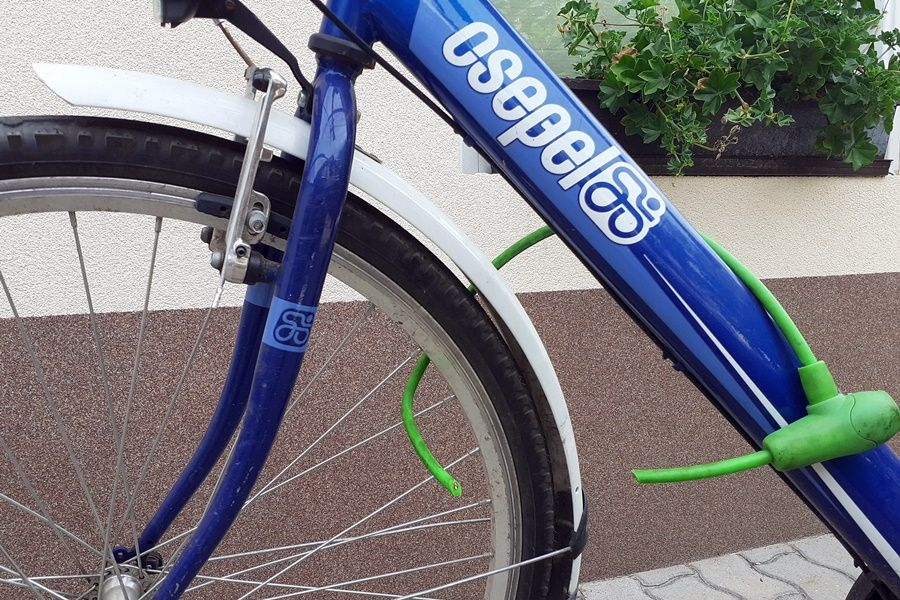 Vigyázzanak! Biciklitolvaj garázdálkodik az Erdei tér környékén
