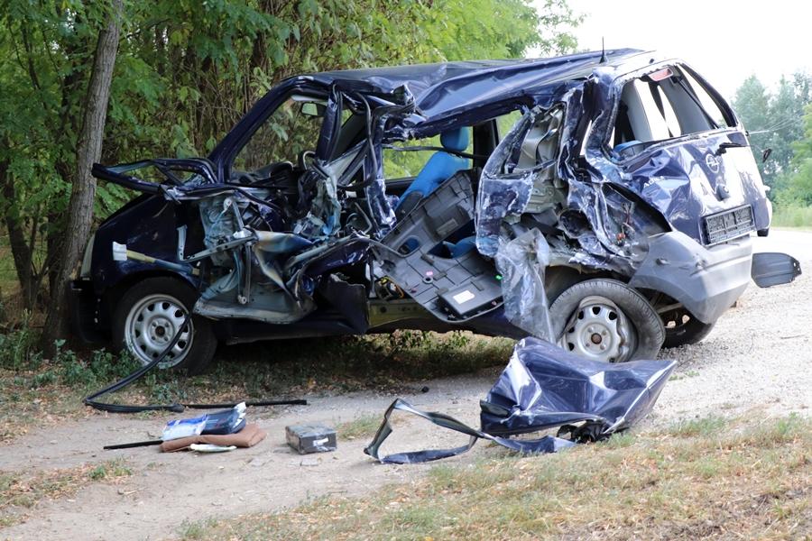 (►) Ledarálta az Opel oldalát az Isuzu (galéria)