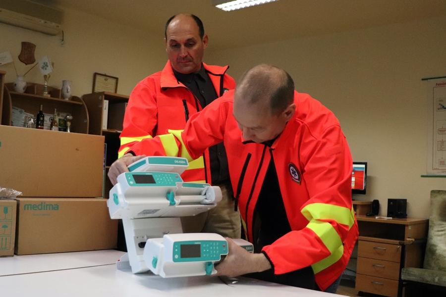 Új eszközöket vásárolt a mentőszolgálat és az alapítvány (galéria)