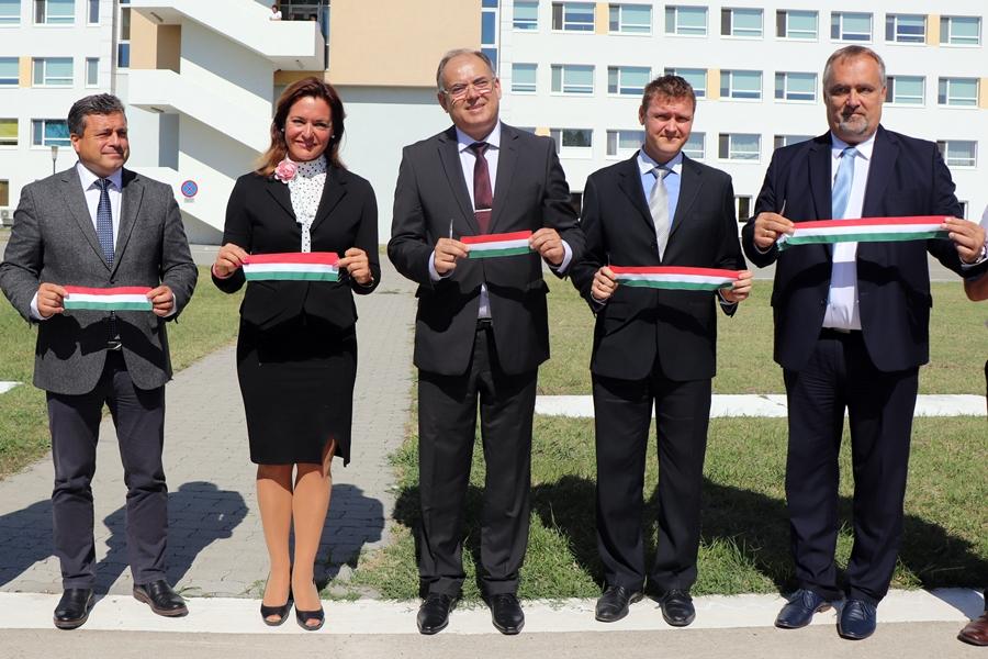 381 millió forintból újult meg a halasi kórház (galéria)
