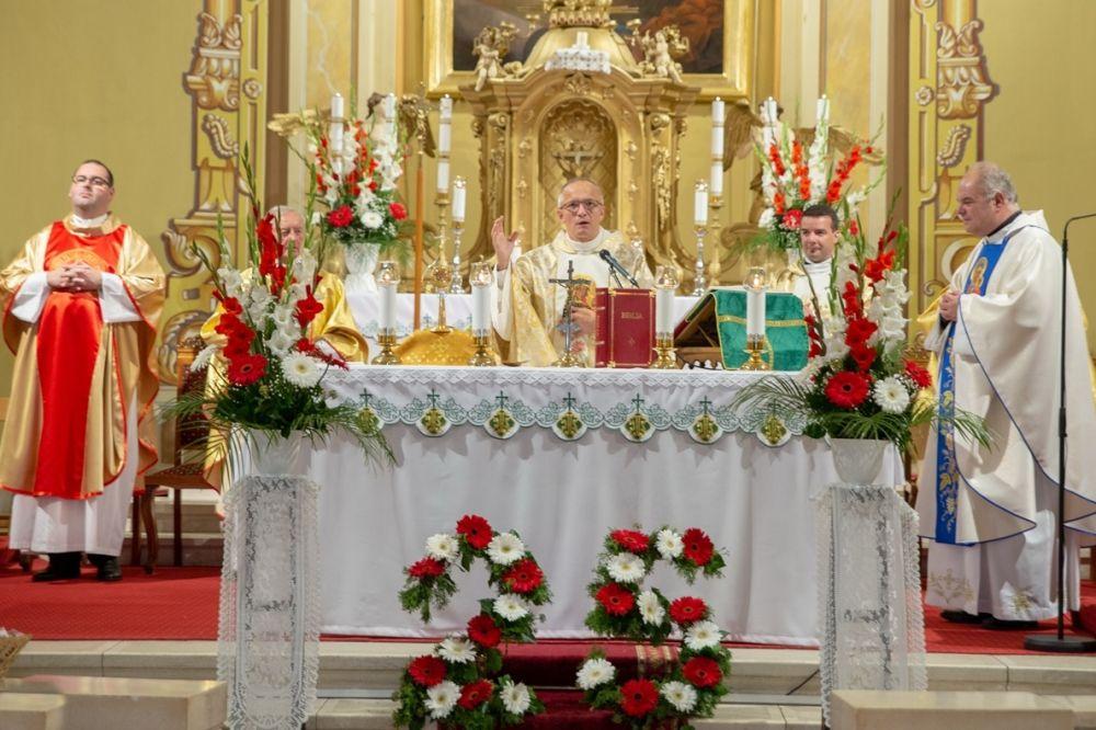 Szentmise a templomszentelés évfordulóján (galéria)