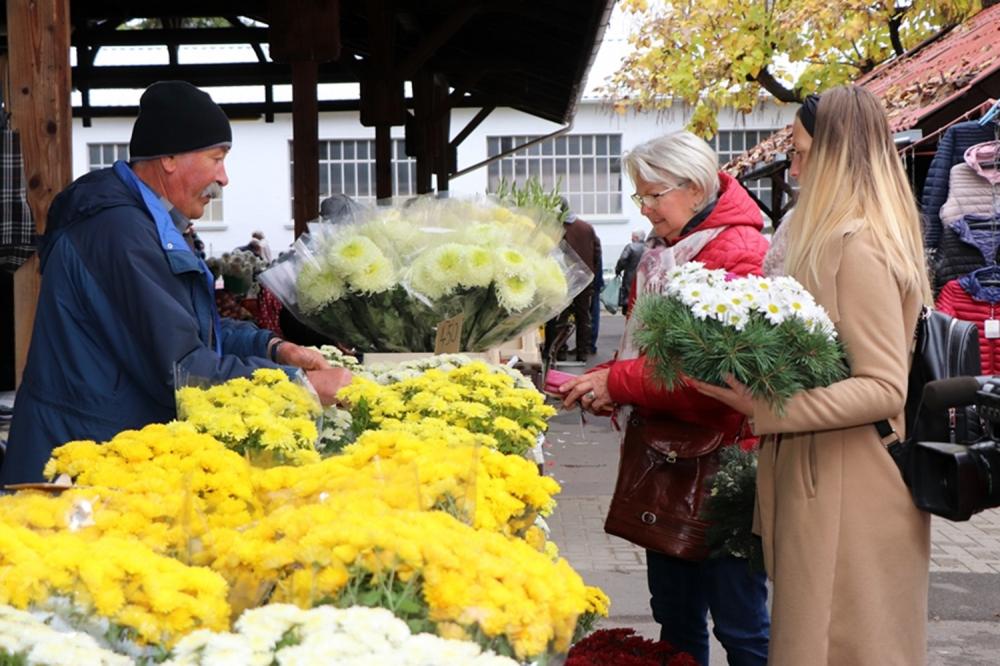 Virágos volt a szerdai piac (galéria)