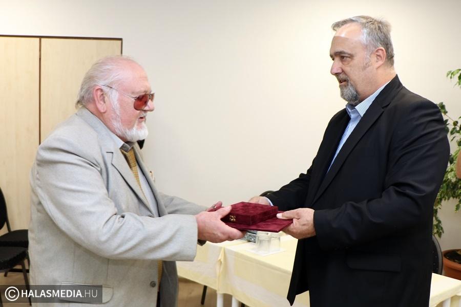 A kitüntetett kórházi dolgozókat köszöntötték (galéria)