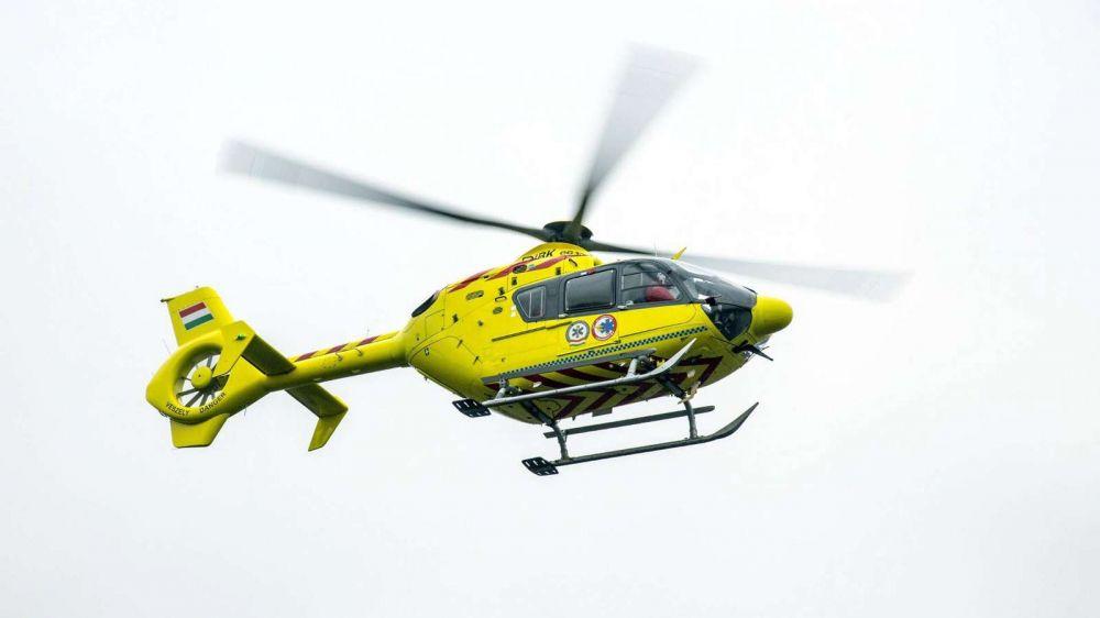 Tűz volt Kisszálláson: mentőhelikopter érkezett a helyszínre