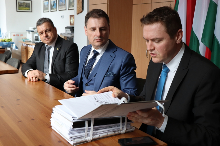 (►) Fürdőfejlesztés: segítséget ígért Tuzson Bence kormányzati államtitkár