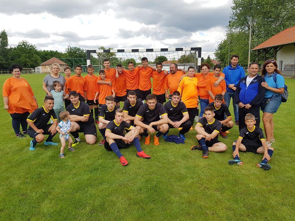 Pereputty és Esély: foci a barátság jegyében