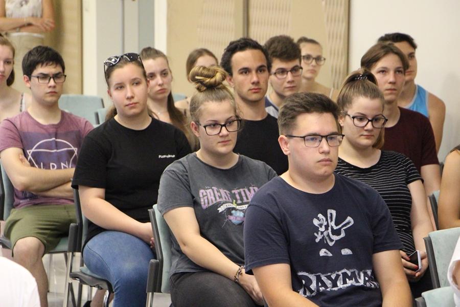 Közel félszáz diák kap munkát a várostól