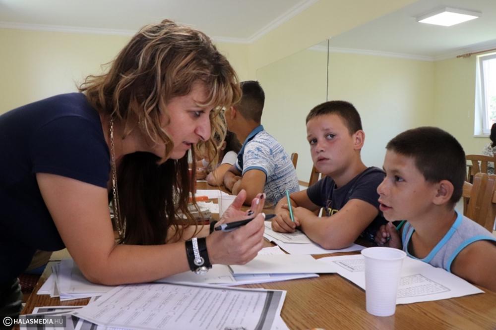 Tizenheten készülnek pótvizsgára, minden segítséget megkapnak a gyerekek (galéria)