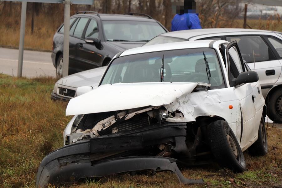 Opel és Skoda ütközött a Déli Városkapunál, ketten megsérültek (galéria)