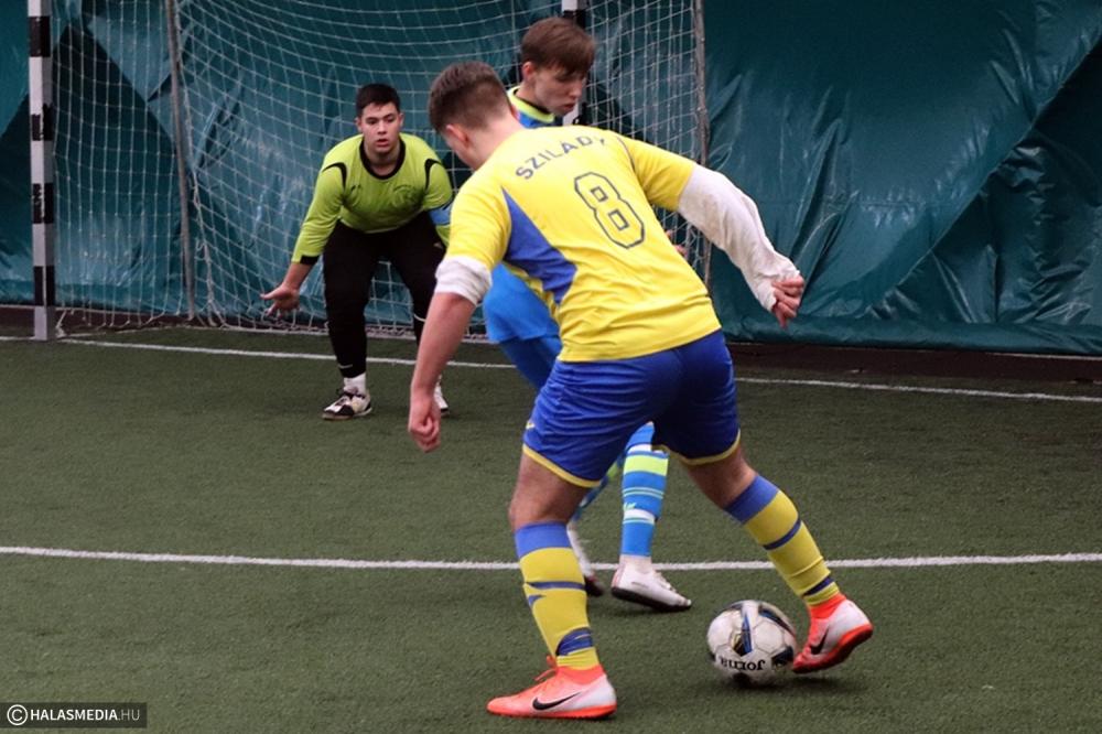 Tizenöt gól a városi futsal-rangadón (galéria)
