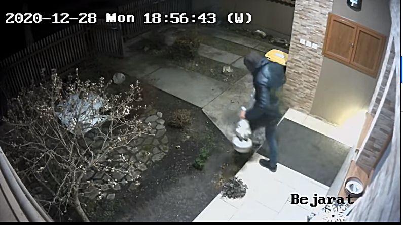 Karácsonyi díszeket gyűjtő tolvaj garázdálkodik Halason