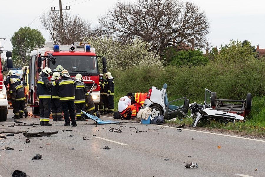 Halálos baleset Soltvadkertnél: Suzuki és menetrendszerinti busz ütközött
