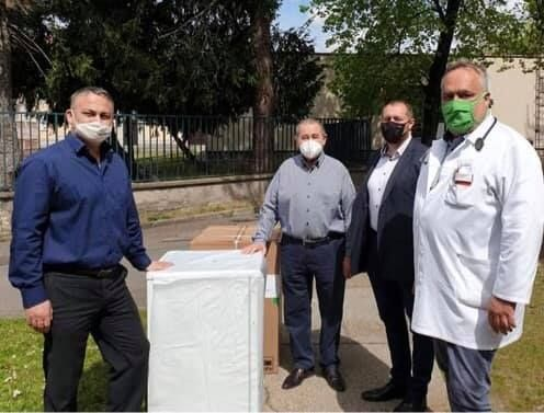 A halasi kórház két hűtőt kapott a  Rotary Club Kaposvártól