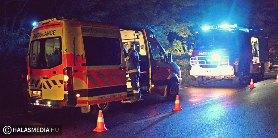 Fának rohant az autó: beszorult sérült Kiskunhalas határában