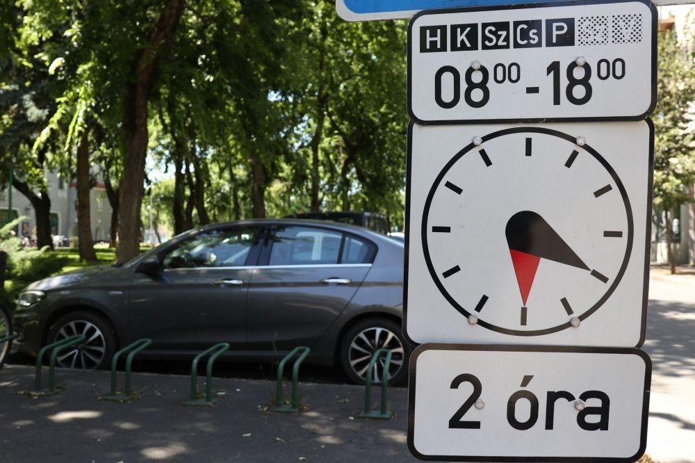 Szeptember elsejétől visszaáll a régi parkolási rend