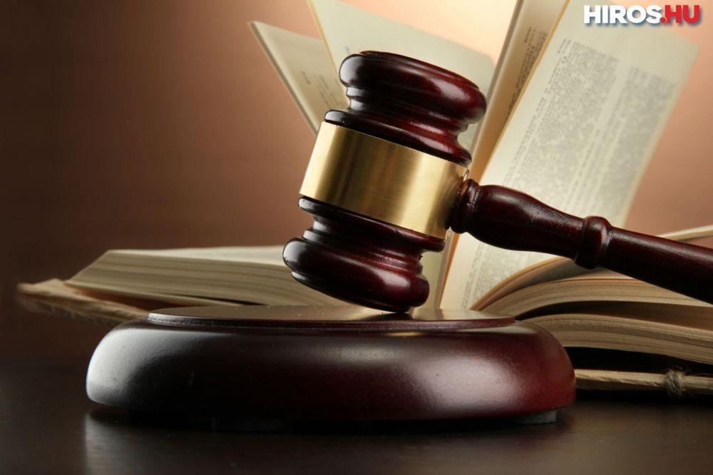 (►)Vádemelés az apa ellen, mert engedte vezetni 10 éves lányát