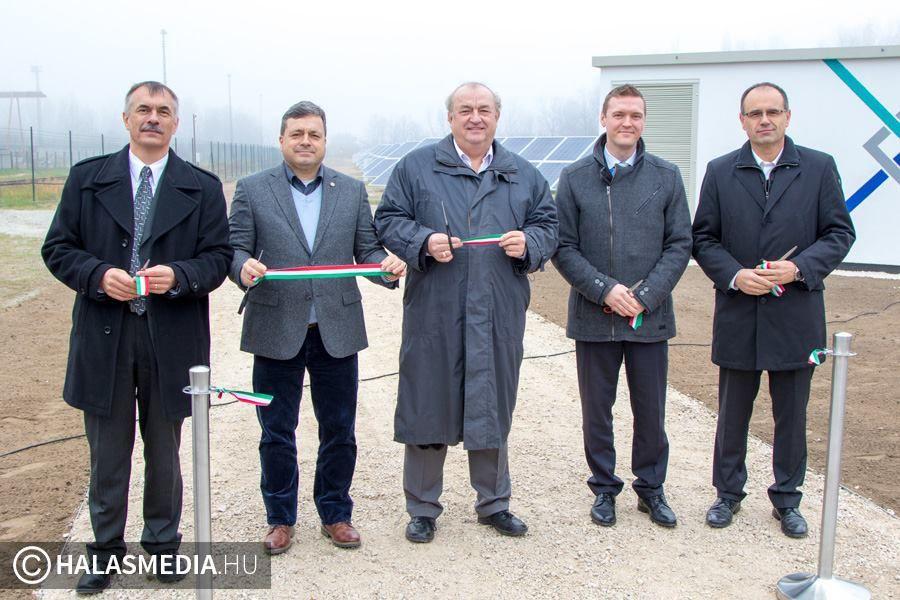 Felavatták a Merkbau új napelemparkját (galériával)