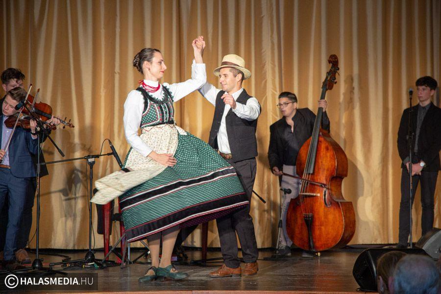 Így mulat a Sarjú Banda (galéria)