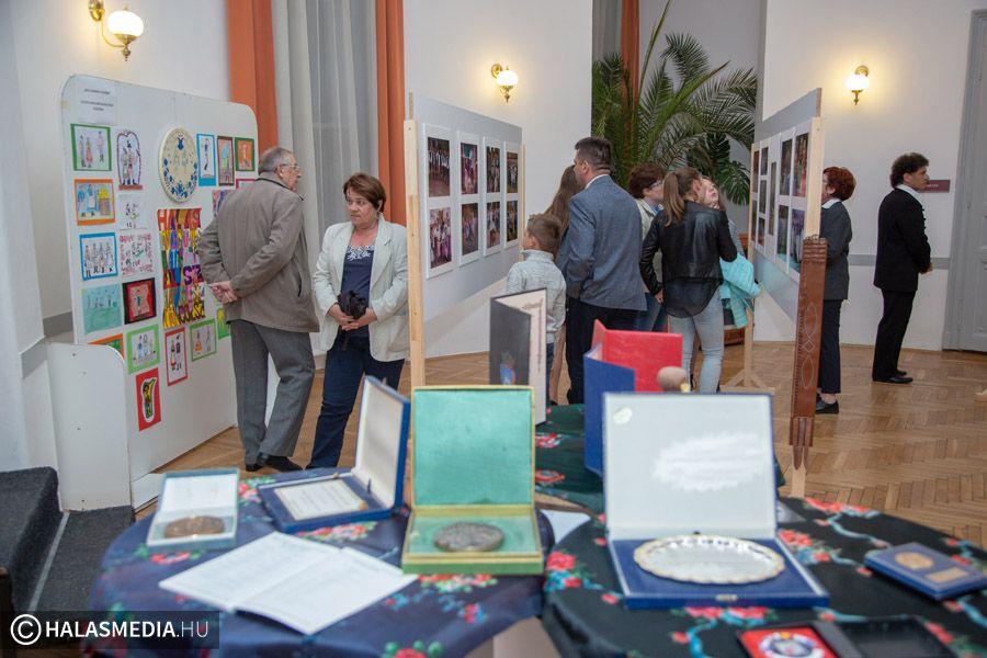 Kiállításon a Halas Táncegyüttes 30 éve