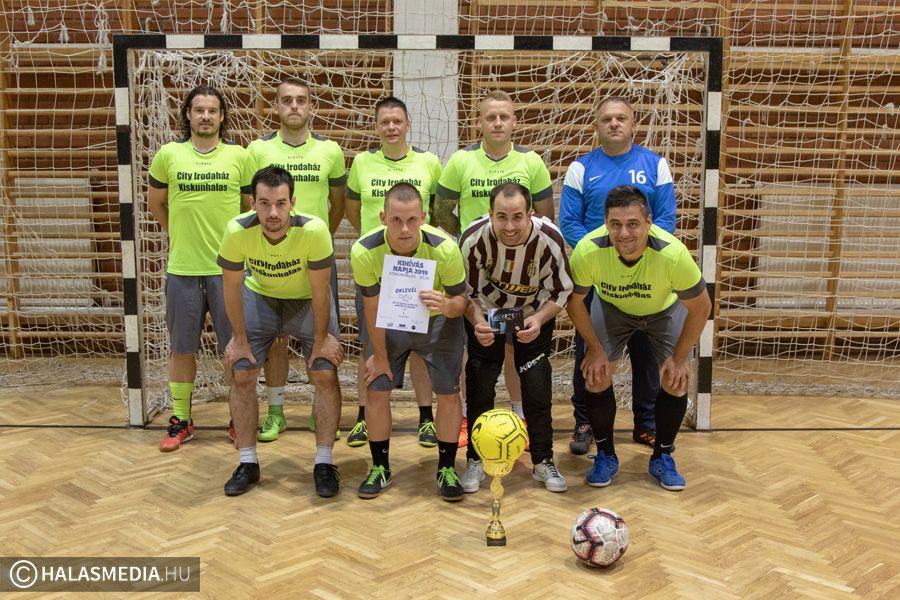 A TuTu nyerte a kihívás napi focitornát (galéria)