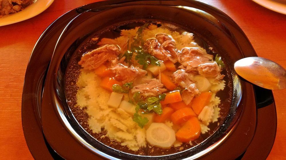 Forró levest a tányérba!