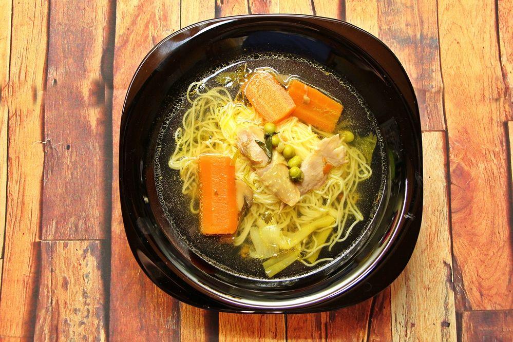 Finom leves kerül a tányérokba