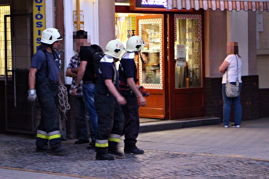 Tűzoltók a belvárosban