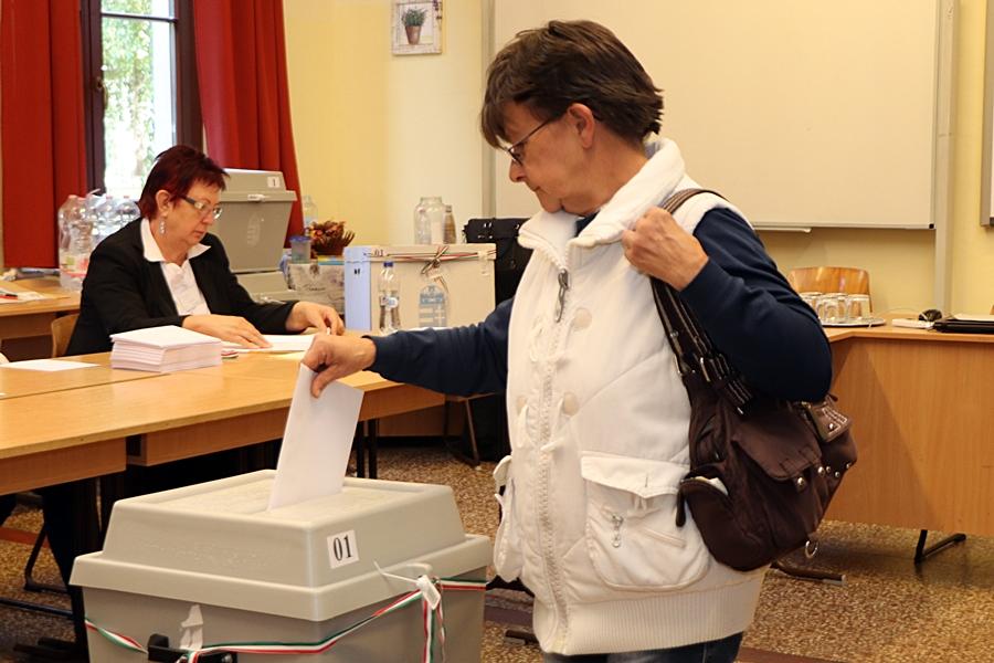 Polgármestert, képviselőket választ Kiskunhalas