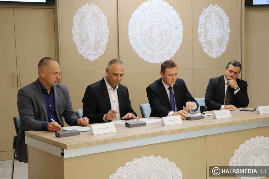 Megkezdődik a Csetényi Park turisztikai fejlesztése (galéria)