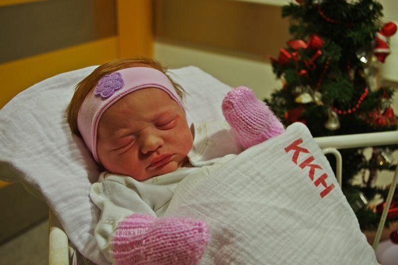 Adél az év első babája a halasi kórházban