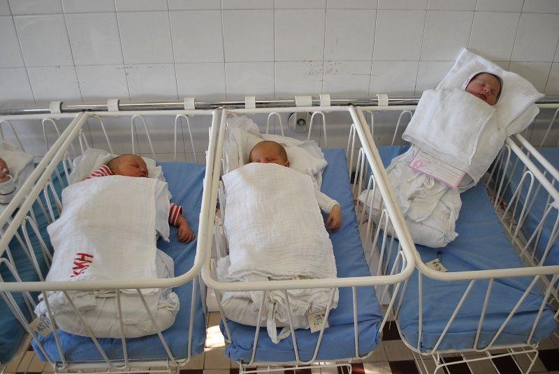 Babák az új szülészeten